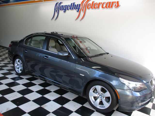 2008 BMW 5-SERIES 528I 55k miles Here is a very clean low mile one owner local new BMW trade in