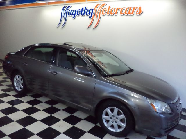 2006 TOYOTA AVALON XL 187k miles Here is a very clean 1 owner new car trade in that has just arriv