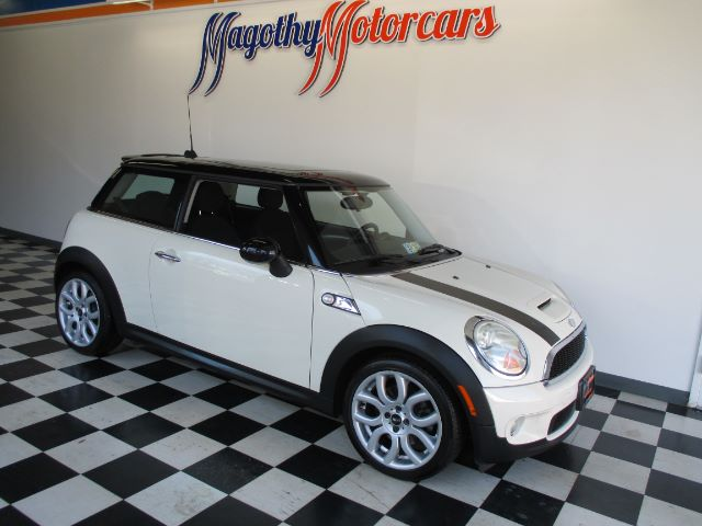 2007 MINI COOPER S 70k miles Here is a great running super clean mini that has just arrived This