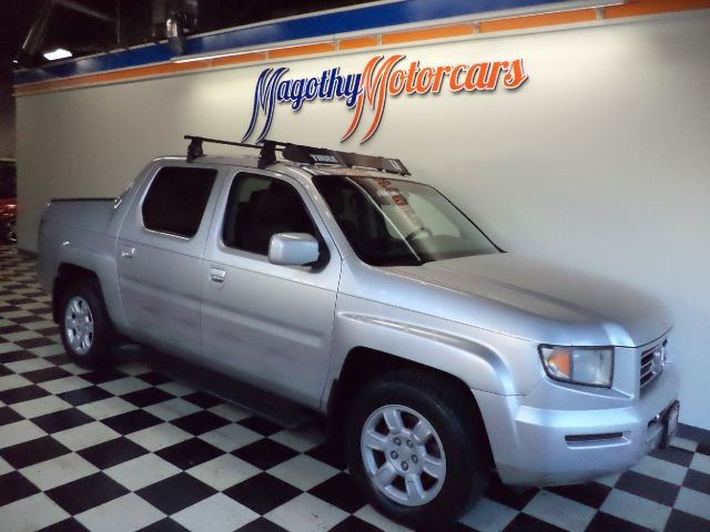 2006 HONDA RIDGELINE RTL WITH MOONROOF XM RADIO  NAVIGATION SYSTEM 98k miles Here is a very clean