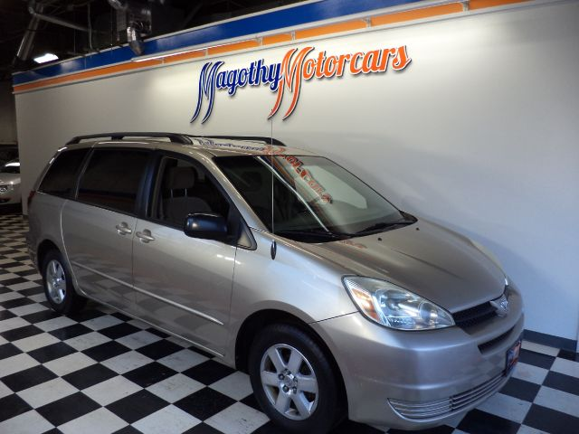2005 TOYOTA SIENNA LE - 7 PASSENGER SEATING 102k miles Here is a great running one owner that has