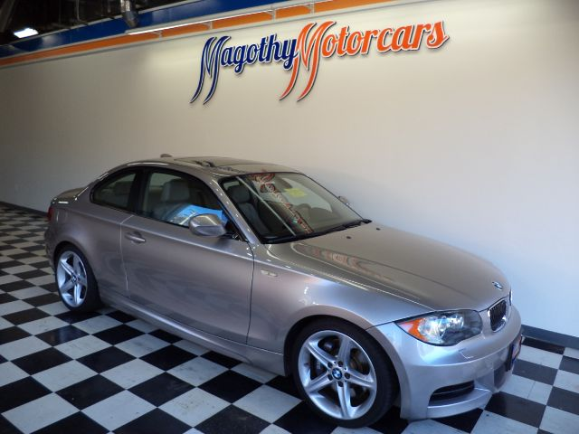 2010 BMW 1-SERIES 135I COUPE 77k miles Here is a very clean local one owner new car trade in Thi