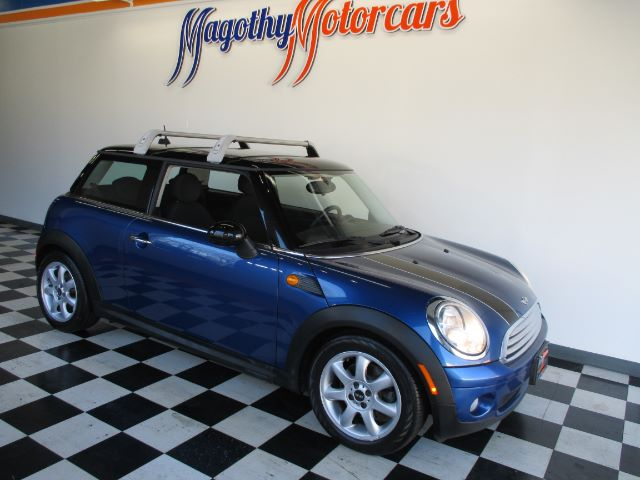 2008 MINI COOPER BASE 79k miles Here is a great running one owner new Mini trade in that has jus