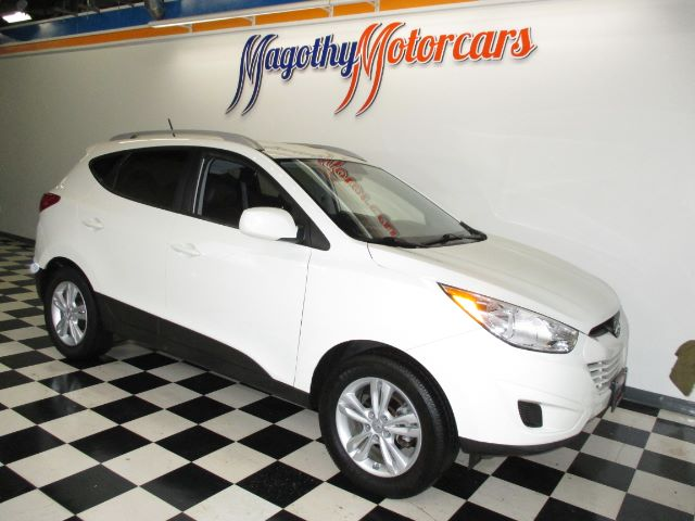 2010 HYUNDAI TUCSON GLS 2WD 68k miles Here is a very clean one owner local new car trade in Thi