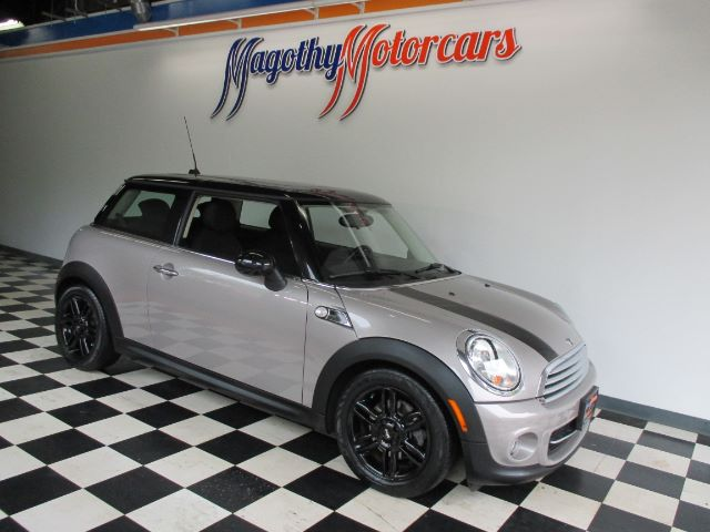 2013 MINI COOPER BAKER STREET EDITION 74k miles Here is a great running one owner Back Street Ed