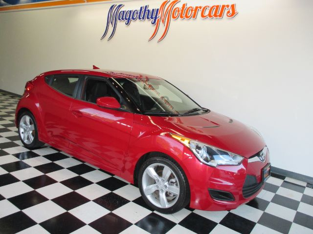 2013 HYUNDAI VELOSTER BASE 67k miles Here is a great running one owner Velost
