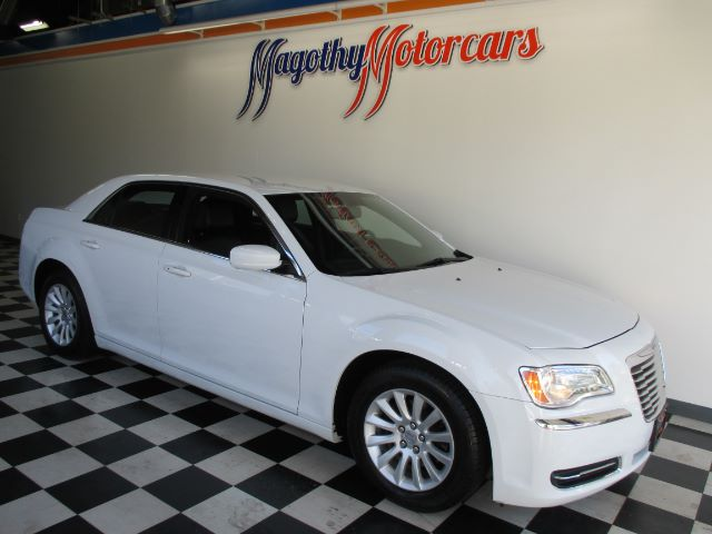 2014 CHRYSLER 300 RWD 36k miles Here is a great running local new BMW trade in This car is well