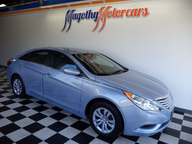 2013 HYUNDAI SONATA GLS 50k miles Here is a very clean one owner trade in that has just arrived