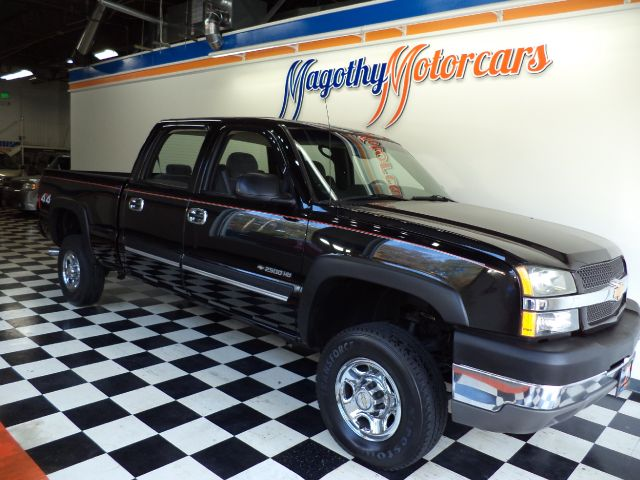 2003 CHEVROLET SILVERADO 2500HD LS CREW CAB SHORT BED 4WD 33k miles Here is a very clean very low
