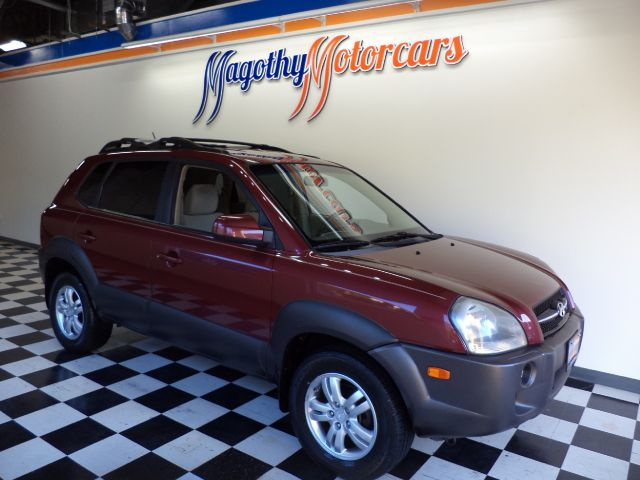 2006 HYUNDAI TUCSON GLS 27 4WD 1079k miles Here is a great running one owner  local new car trad