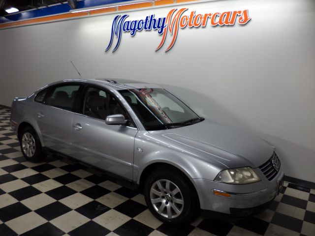 2002 VOLKSWAGEN PASSAT GLS 117k miles Here is a great running one owner local new VW trade in Th