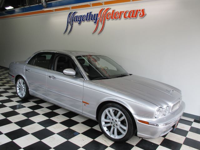 2004 JAGUAR XJ-SERIES XJR 94k miles Clean  clean  clean This XJR was used as a new local BMW tr