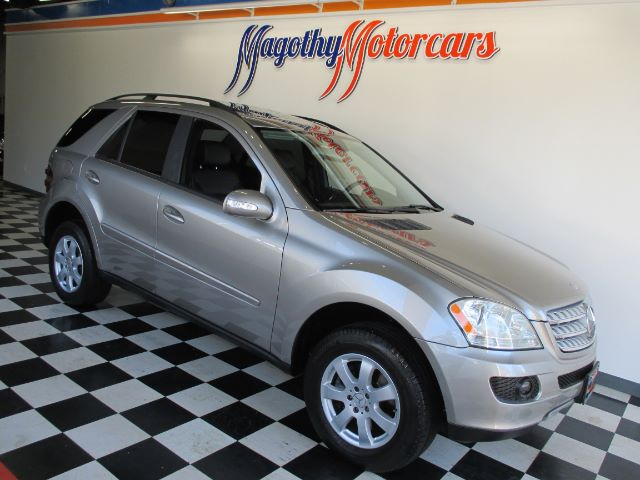 2006 MERCEDES-BENZ M-CLASS ML350 96k miles Here is a very clean 2 owner ML350 that has just arriv