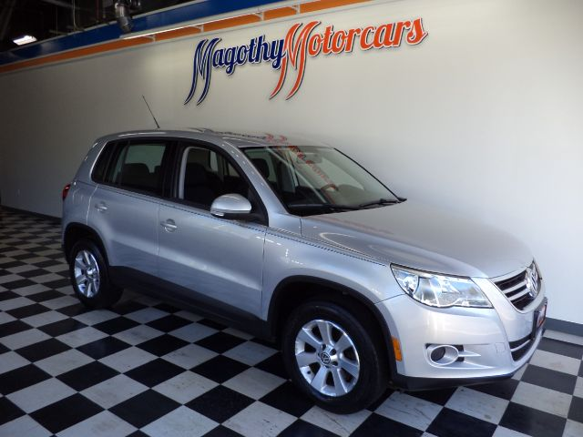 2009 VOLKSWAGEN TIGUAN S 85k miles Here is a very nice new car trade in that has just arrived Thi