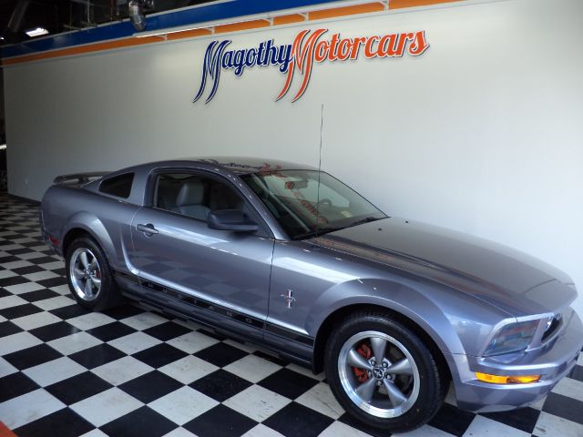 2006 FORD MUSTANG V6 DELUXE COUPE 94k miles Here is a great running new car trade in that has jus
