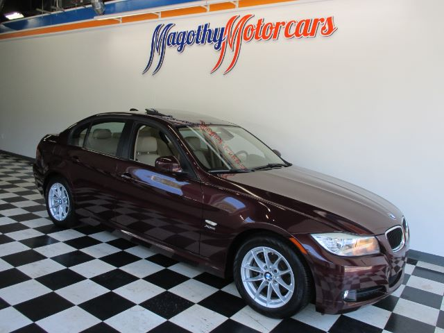 2010 BMW 3-SERIES 328I XDRIVE 49k miles Here is a great running local new BMW trade in that has j