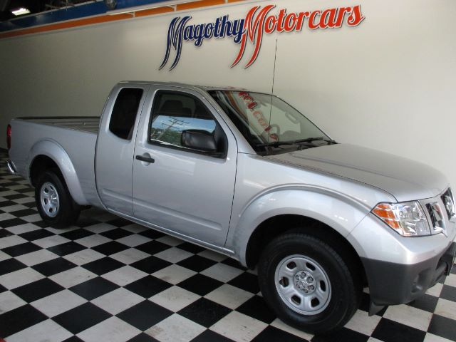 2014 NISSAN FRONTIER SV KING CAB I4 5MT 2WD 30k miles Here is a great running one owner local ne