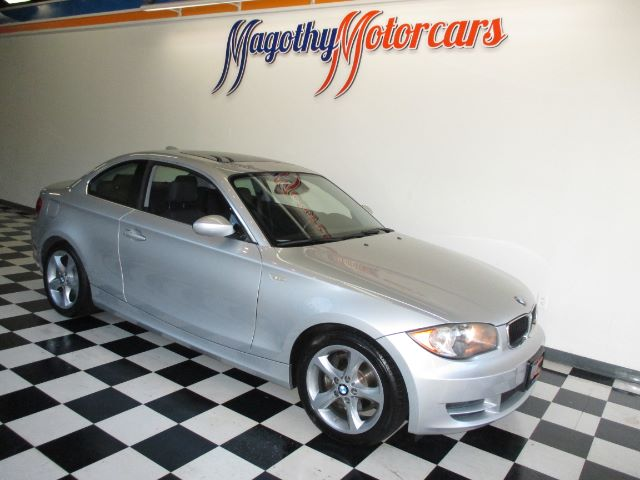 2009 BMW 1-SERIES 128I COUPE 88k miles Here is a great running one owner local new car trade in