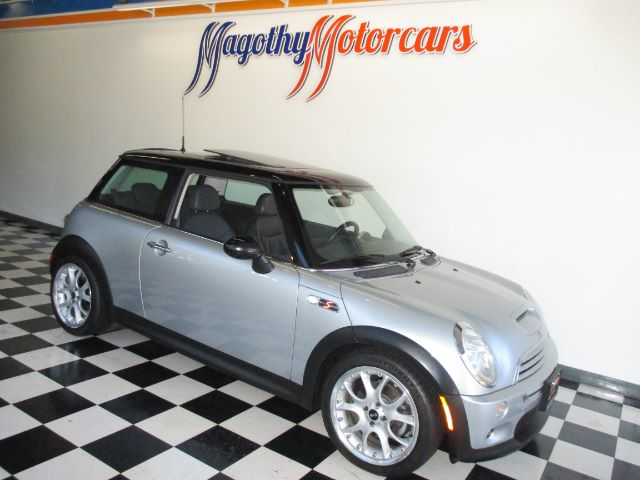 2004 MINI COOPER S 95k miles Here is a great running local new mini trade in  This S model offer