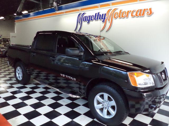 2010 NISSAN TITAN XE CREW CAB 2WD SWB 53k miles Here is a very nice Crew Cab Titan that has just be