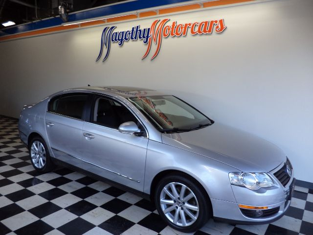 2010 VOLKSWAGEN PASSAT KOMFORT 99k miles Here is a great running local new VW trade in This car