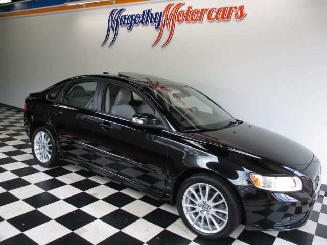 2009 VOLVO S40 24I 67k miles Here is a great running trade that has just arrived This S40 offers