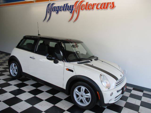 2006 MINI COOPER BASE 93k miles Here is a great running new car trade in that has just arrived I