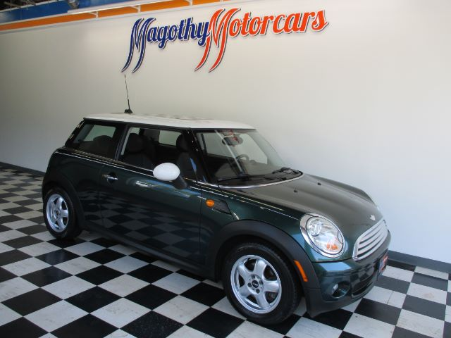 2007 MINI COOPER BASE 93k miles Here is a great running local new BMW trade in that has just arri