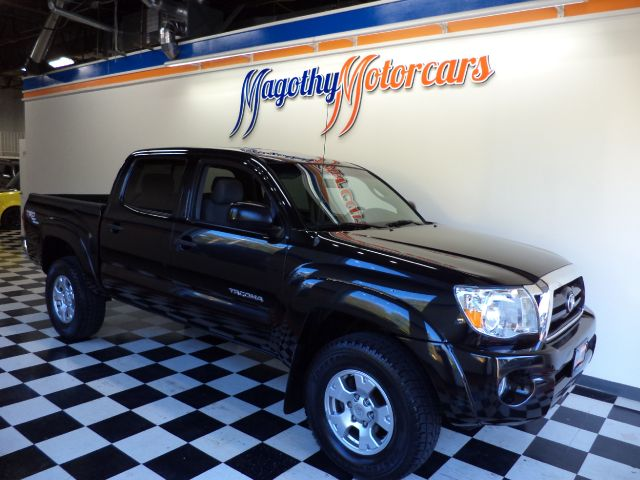 2005 TOYOTA TACOMA DOUBLE CAB V6 AUTOMATIC 4WD 154k miles Here is a great running one owner local