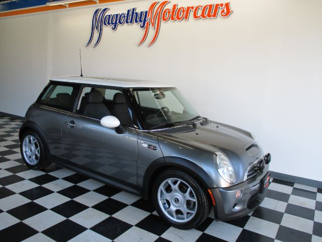 2003 MINI COOPER S 93k miles Here is a very clean low mile one owner Mini that has just arrived