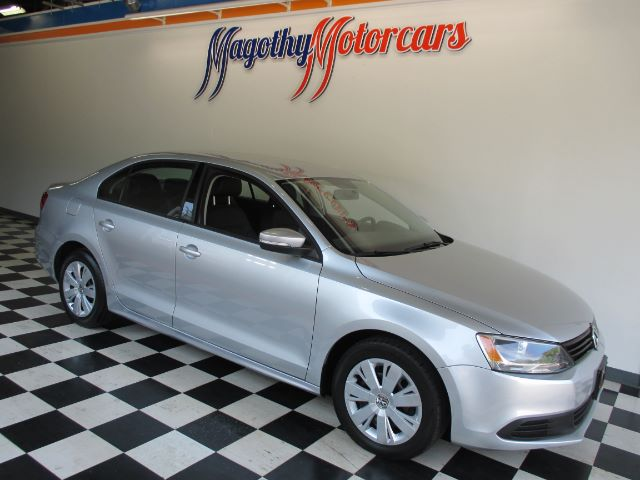 2011 VOLKSWAGEN JETTA SE 70k miles Here is a great running local new car trade in that has just a