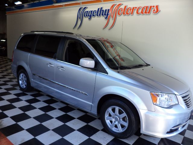 2012 CHRYSLER TOWN  COUNTRY TOURING 27k miles Options ABS Brakes Adjustable Foot Pedals Air Co