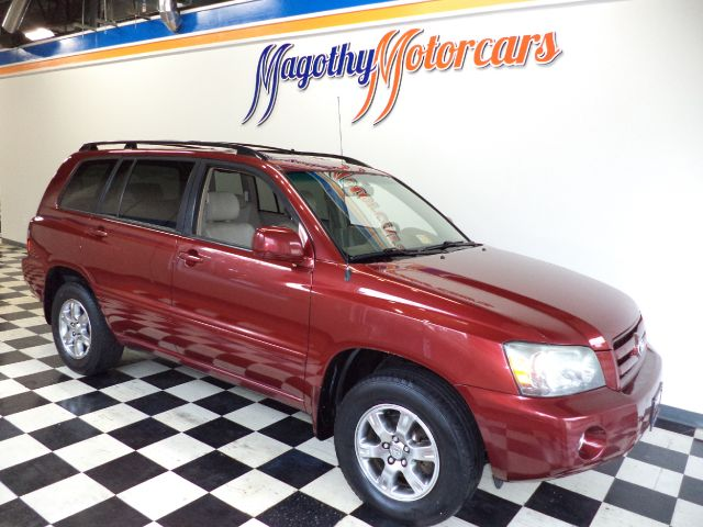 2005 TOYOTA HIGHLANDER V6 4WD 108k miles Here is a great running SUV that has just arrived This tr