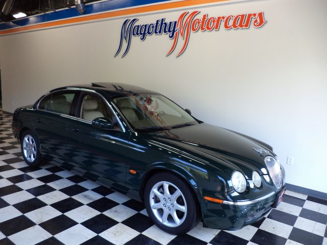2005 JAGUAR S-TYPE 42 90k miles Here is a great running 42 that just arrived This car was a 2 ow