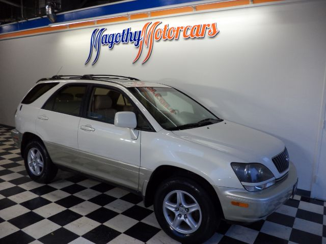 1999 LEXUS RX 300 AWD 95k miles This is the real deal One local owner dealer serviced and low mil