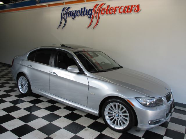 2011 BMW 3-SERIES 335I SA 65k miles Here is a great running local new BMW trade in This 335 offe