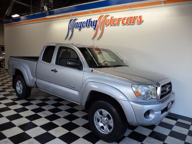 2006 TOYOTA TACOMA ACCESS CAB 4WD 176k miles Here is a great running ONE OWNER new Toyota trade i