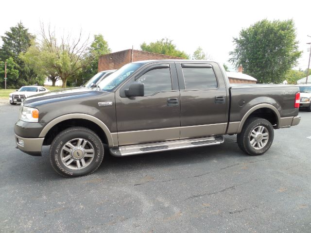 2004 Ford F-250 SD Lariat Crew Cab 4WD at Rich Auto Sales