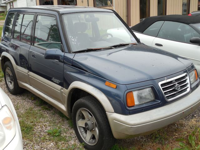 1996 Suzuki Sidekick JLX Sport 4-Door 4WD at Rich Auto Sales