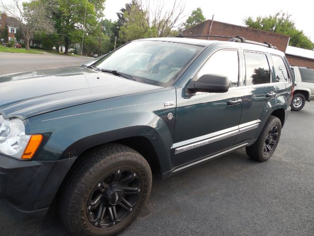 2005 Jeep Grand Cherokee Limited 4WD at Rich Auto Sales