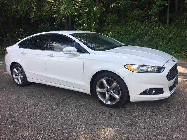 2013 Ford Fusion SE at Rich Auto Sales