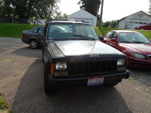 1993 Jeep Cherokee Sport 4-Door 4WD at Rich Auto Sales