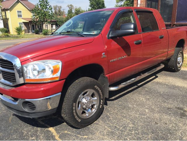 2006 Dodge Ram 2500 SLT Mega Cab 4WD at Rich Auto Sales