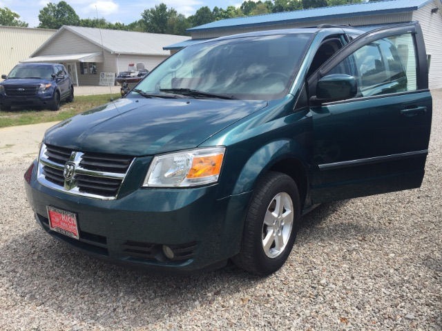 2009 Dodge Grand Caravan SXT at Rich Auto Sales