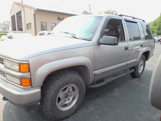 2000 Chevrolet Tahoe 4WD at Rich Auto Sales