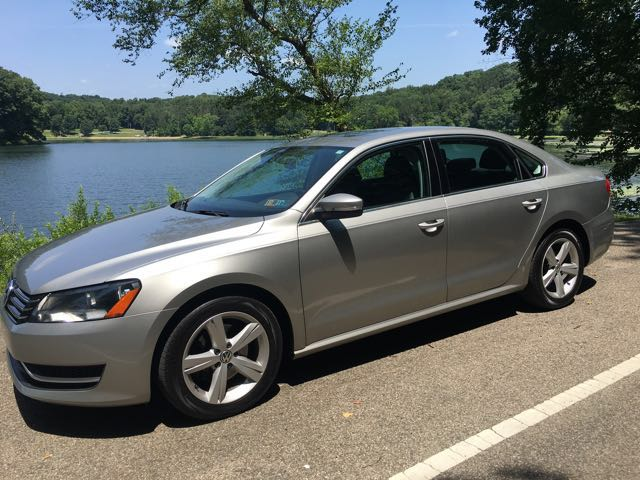 2013 Volkswagen Passat 2.5L SE AT at Rich Auto Sales