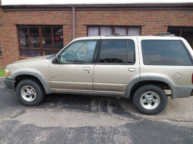 1999 Ford Explorer XLT 4WD at Rich Auto Sales