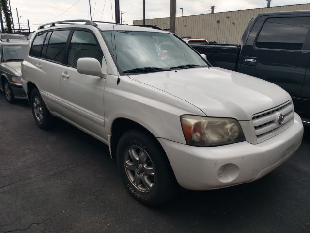 2006 Toyota Highlander 2WD for sale at Ideal Motorcars