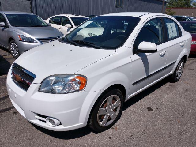 2011 Chevrolet Aveo 1LT 4-Door