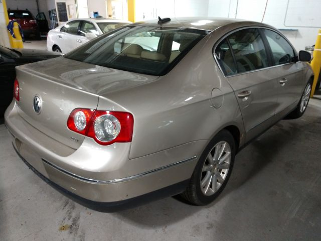 2006 Volkswagen Passat 2.0T for sale at Ideal Motorcars